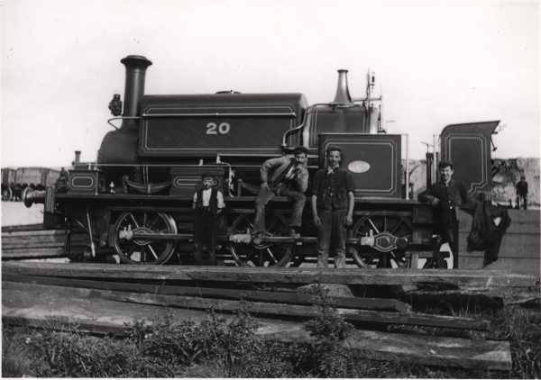 A sister 'L' class locomotive to No. 30 was Logan & Hemingway No. 20; built by Manning Wardle in 1890 and given the works number 1191. It is pictured at the site of Nottingham Victoria Station circa 1895 and is in the condition that No. 30 would have been in at the time.