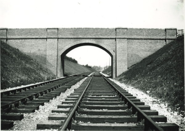 This part of the London Extension near Mixbury is almost ready for traffic. As the completion of the line grew nearer, so the age of the navvy was approaching its end. After the Great Central had reached the capital, no project of similar magnitude was undertaken on Britain's railways until the construction of the Channel Tunnel.