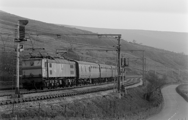EM2 class electric locomotive on a passenger train near Woodhead.