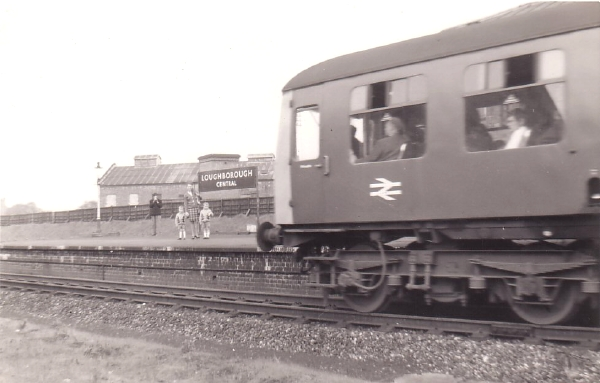 This photograph was taken on the day that the last Diesel Multiple Unit passed through Loughborough Central Station in March 1969, prior to the final closure of the line.