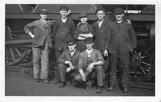 A group of cleaners, probably based at the Leicester South sheds. The man on the far left is Tom Chamberlain, who went on to become a fireman for the LNER and eventually an engine driver. Tom was regulary in charge of the Flying Scotsman.
